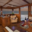 ~43 Pilothouse Salon Looking Aft Starboard